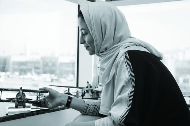 "Adwa Al Dakheel: ""لا تقارني نفسك بشخص آخر لأنّ التحدّيات والنعم التي تتمتّعين بها مختلفة عن غيرك"""