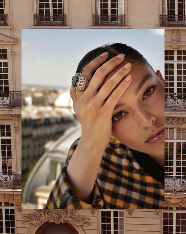 خاتم La Reine مرصّع بالزبرجد الأزرق والألماس