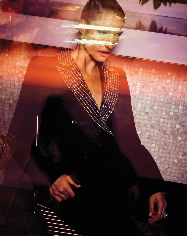 الإطلالة كلّها من Givenchy