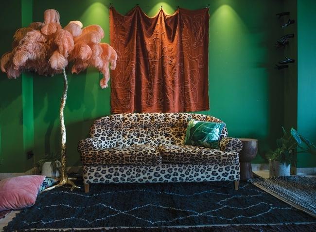 القماش الجداري ثمرة تعاون مع المصمّم Ahmed Amer مصنوع بقماش من Pierre Frey