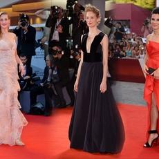 نجمات تتألقن على السجاده الحمراء في مهرجان البندقيه السينمائي