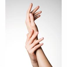 التقدم في العمر يظهر على اليدين