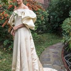 فستان زفاف واحد لـ11 عروس