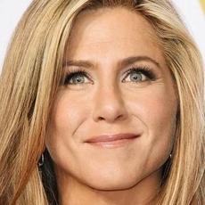 Jennifer Aniston أجمل امرأة في العالم