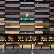 Rolex تأخذك في مغامرة فخمة وشيّقة