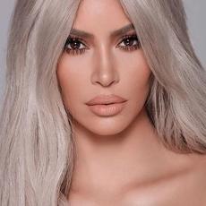 ابنة Kim Kardashian بفلتر الفراشة