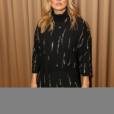 Matchesfashion.com يحتفي بأيقونة الموضة Kate Moss
