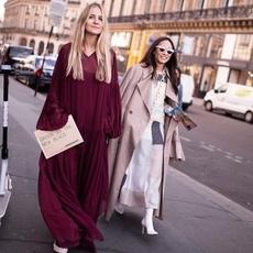 لا تفوّتي إطلالات الشوارع الأجمل من أسبوع الموضة في باريس
