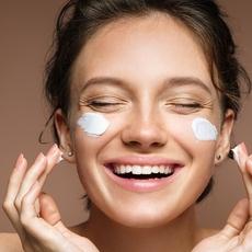 10 خطوات تساعدك على الحصول على بشرة مشرقة