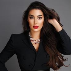 """ياسمين صبري العربية الوحيدة في مسابقة """"أجمل وجه"""" العالميّة... لن تصدّقي من تنافس!"""