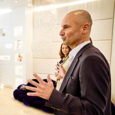 مدير Swarovski يكشف ركائز نجاحها ومشاريعها في الشرق الأوسط