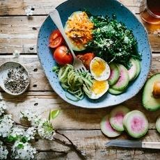 7 أطعمة تقيكِ من الإصابة بسرطان الثدي