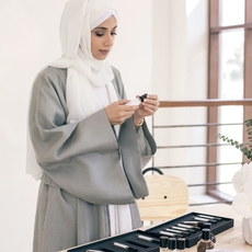 Amna AL Habtoor تترجم مفهومها للمنتج الفاخر