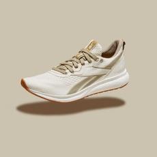 علامة رياضيّة شهيرة تقدّم لكِ حذاء بطابع الاستدامة