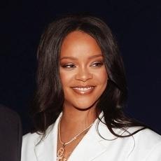 Rihanna تتصدّى لفيروس كورونا بمبلغ ضخم