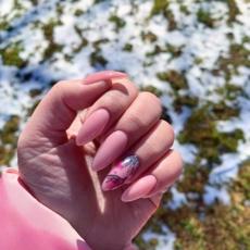 صيحات الأظافر لربيع 2020 لتطبّقيها أثناء الحجر المنزليّ