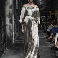 شاهدي عرض Dior مباشرةً من باريس