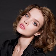 Natalia Vodianova:قصّة حبّ حقيقيّة تجمعها بدار  Guerlain
