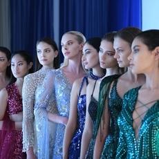 كلّ ما عليك معرفته عن انطلاق أسبوع الموضة العربيّ... وما علاقة مايا دياب؟