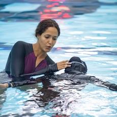 أوّل عيادة سباحة للنساء في دبي