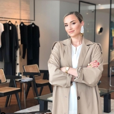 مصمّمة الأزياء فايزة بوقصة تستعرض مجموعتها لربيع وصيف 2021