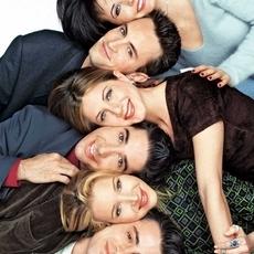 من هي الشخصيّة المحبوبة أكثر في مسلسل Friends الشهير؟